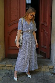 Minidresses Are the Easy, Breezy Solution to Summer Dressing - Fashion News Summer Dress Outfits, Modest Outfits, Modest Fashion, Fashion Dresses, Dress Summer, Hijab Fashion, Cute Dresses, Vintage Dresses, Casual Dresses