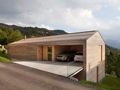 C'est dans le tout petit village autrichien Zwischenwasser que se trouve cette construction récente, nichée sur une colline. Le studio d''architecture diet