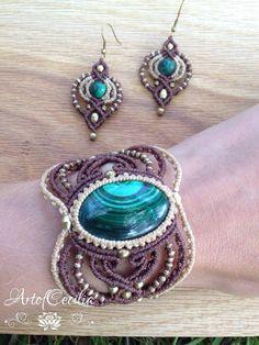 Wonderful macrame bracelet with maching earrings. by ARTofCecilia