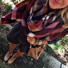 Zara Plaid Blanket Scarf: bought the same version this week (sept20/15) and ladies it's a game changer.
