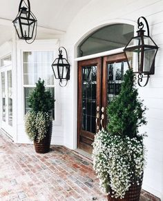 29 Wonderful design ideas for the front door - House Goals Ideas Future House, My House, House And Home, Style At Home, Patio Design, Exterior Design, Door Design, House Goals, Porch Decorating