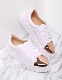 To find out about the White Contrast Round Toe Rubber Sole Sneakers at SHEIN, part of our latest Sneakers ready to shop online today! Latest Sneakers, Sneakers Mode, Sneakers Fashion, Work Sneakers, Fashion Fashion, Fashion Women, Fashion Ideas, Colorful Sneakers, Vintage Fashion