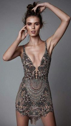 berta rtw fall 2017 sleeveless v neck mini dress embellished mv dinner outfit Berta Fall 2017 Ready-to-Wear Collection Style Haute Couture, Couture Fashion, Runway Fashion, Fashion Models, Womens Fashion, Fashion Trends, Ladies Fashion, Look Fashion, High Fashion
