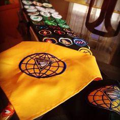 20 de Setembro. Dia Mundial dos Desbravadores e Batismo da Primavera. Lenço e faixa de especialidades.