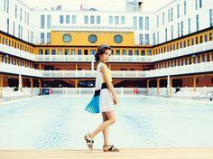 Quand Dior s'invite à la piscine le temps d'une saison, le chic est inévitablement au rendez-vous