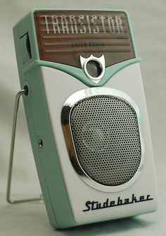 The Studebaker radio - retro Radio Vintage, Poste Radio, Retro Radios, Transistor Radio, Record Players, Phonograph, Kitsch, Mid-century Modern, Gadgets