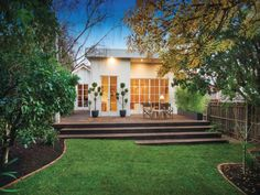 Melbourne back yard deck
