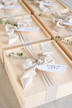 Create the perfect gift box, bag, or basket for your next celebration or event. Our custom wedding gifts make any even more personalized for your guests. Ideal for weddings, corporate events, client gifts, thank you gifts, baby shower, anniversary gifts, and more! #marigoldgrey #customgiftdesign #giftideas #giftbox #personalizedgift Image By: Lissa Ryan Photography