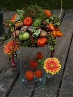 Art Floral, Deco Floral, Pumpkin Arrangements, Christmas Flower Arrangements, Floral Arrangements, Vintage Winter Weddings, Winter Flowers, Autumn Garden, Deco Table