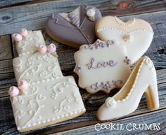 wedding cookies - Projects to try - Kekse Shoe Cookies, Fancy Cookies, Iced Cookies, Royal Icing Cookies, Cupcake Cookies, Sugar Cookies, Owl Cookies, Cookie Favors, Favours