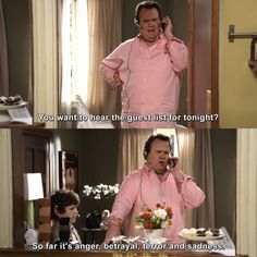 Modern Family - You want to hear the guest list Funny Cute, Haha Funny, Funny Memes, Jokes, Funny Stuff, Modern Family Funny, Modern Family Quotes, Mood, Humor