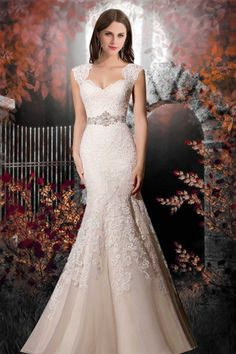Trumpet Organza Diamond Neckline Lace-up Sleeveless Wedding Dress - Shedressing.com