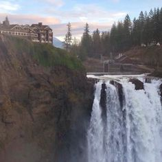 The Salish Lodge & Spa has an absolutely perfect location, perched on a bluff next to Snoqualmie Falls. Snoqualmie Washington, Olympia Washington, Seattle Washington, Snoqualmie Falls, Seattle Area, Great View, Natural Wonders, Pacific Northwest, Places To See