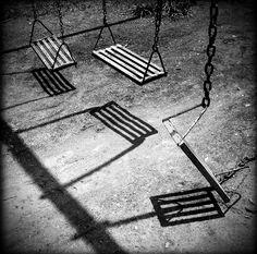 #swings #chain #broken #blackandwhite
