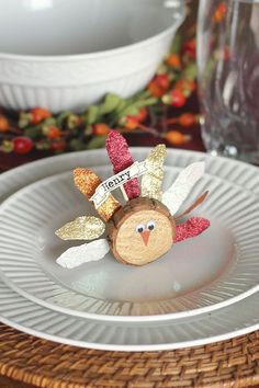 Finish A Festive Fall Table Off With These Thanksgiving Place Cards Ideas