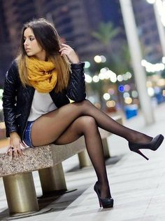 Black Tights Outfit, Tights And Heels, Sexy Legs And Heels, Outfit Jeans, Women With Beautiful Legs, Lovely Legs, Great Legs, Pantyhose Outfits, Nylons And Pantyhose