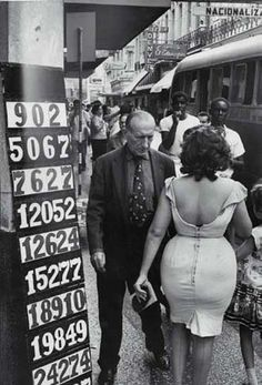 Marc Riboud | old style | old fashion | vintage fashion | street wear | tight | dress | love | black & white