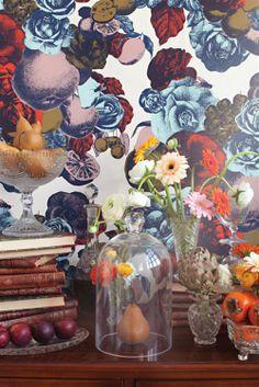 "Close up view of Lisa Bengtsson's ""Boudoir"". Really cute wallpaper Boudoir, Lisa, Victorian Decor, Wall Wallpaper, Wallpaper Ideas, Dream Decor, Ark, Cute Wallpapers, Vignettes"