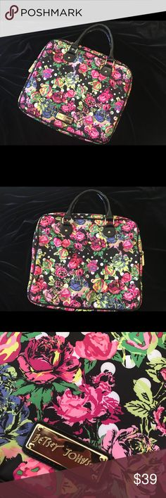 """Betsey Johnson Floral laptop type bag purse 👜 Betsey Johnson Floral laptop type bag purse 👜   Fun purse to carry your iPad for business or school. 14""""wide 12"""" high 1 1/2"""" deep. Strap 6 """" drop. Great condition. Betsey Johnson Bags Travel Bags"""