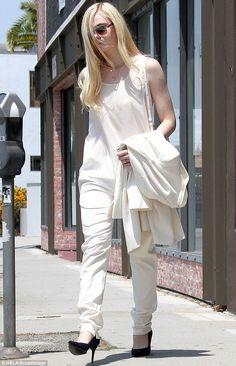 Elle Fanning - In West Hollywood. (July 2013)