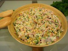 Ce poate fi mai delicios și aromat decât o salată revigorantă, cu puternic iz de vară? Astăzi v-am pregătit o rețetă fantastică de salată în stil italian, cu aromă intensă de castraveți și o savoare inconfundabilă, de care nu ai cum să nu te îndrăgostești. Este o salată rapidă și simplă, dar de efect! Nu …