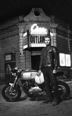 Shop the Outlaw Jacket from Belstaff. The jacket worn by David Beckham in his film, Outlaw, this black leather biker is an icon of cool, moto style. Triumph Cafe Racer, Cafe Racers, Liv Tyler, Blitz Motorcycles, Moto Scrambler, David Beckham Style, Bend It Like Beckham, Moto Cafe, Cafe Bike