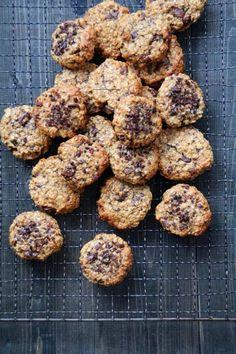 Sunne havrecookies med banan, peanøttsmør og sjokolade. - Mat På Bordet - #sunnmat - Sunne havrecookies med banan, peanøttsmør og sjokolade ,inspirert av Elvis sin favoritt sandwich. Men tro meg, disse cookiesene kan du spise med god samvittighet!...