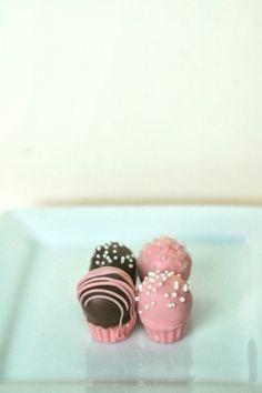 Pastel cake pops 12 pieces one dozen edible favor pastel tiny pink cupcake cake bites 25 pieces cake balls edible favor fathers day wedding baby shower bridal shower edible gift negle Choice Image