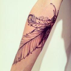 Las plumas de supakitch son preciosísimas, algún día me tatuaré una! x//D