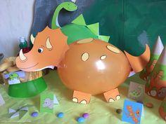 My dinosaur birthday decor! Dinosaur Birthday Party, Birthday Balloons, 3rd Birthday, Festa Party, Birthday Party Decorations, Art For Kids, Dinosaur Balloons, Recherche Google, Ideas