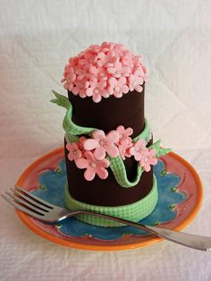 Single and Tiered Mini Cakes by cupcakeenvy, via Flickr