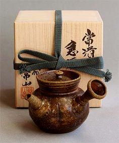 Tokoname Teapot by Jozan IV
