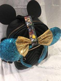 Disney Mickey Ears Holder Bag Strap Lanyard for hanging Disney Diy, Disney Bows, Disney Crafts, Disney Headbands, Disney Inspired Outfits, Disney Outfits, Disney Style, Disney Fashion, Disneyland Outfits