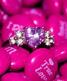 Cute 'True Love' Hot Pink M & M's and a gorgeous Pink Heart & white diamonds ring! Purple Stuff, Purple Love, All Things Purple, Shades Of Purple, Magenta, Pretty In Pink, Pink Purple, Pink Bling, Purple Candy