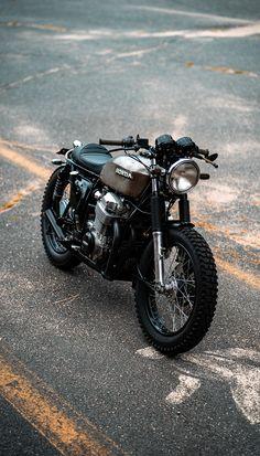 Honda Scrambler, Cafe Racer Honda, Cafe Racer Bikes, Cafe Racer Motorcycle, Cafe Racers, Bullet Bike Royal Enfield, Duke Bike, Honda 750, Yamaha Bikes