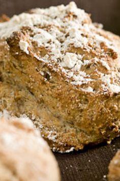 3 ting, du kan gøre for at få færre rynker Baking Buns, Bread Baking, Healthy Snacks, Healthy Recipes, Healthy Breads, Bread Recipes, Cooking Recipes, Danish Food, Bread Bun