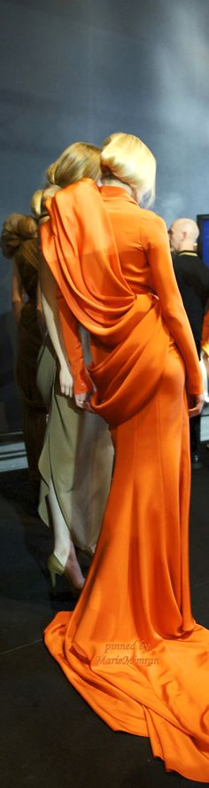Backstage Fashion Show Stephane Rolland ++ rust orange + dress