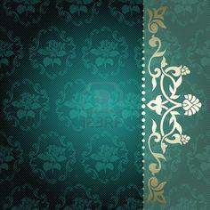 Elegante profunda fondo verde con arabescos florales gráficos adornos metálicos se agrupan en varias capas para una fácil edición Foto de archivo