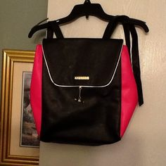 Juicy Couture backpack Great bag, great condition! Juicy Couture Bags Backpacks