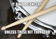 Percussion Problems<<Every. At least someone drops the sticks and one of us has to cover for them while they try to pick it up Marching Band Problems, Marching Band Memes, Flute Problems, Music Jokes, Music Humor, Drums Quotes, Band Jokes, Band Nerd, Band Camp