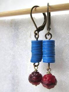 rosamund oorbellen met koningsblauwe schijfjes en door mooisvanme - 10 euro