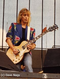 Mick Ronson - David Bowie and the Spiders from Mars Much Music, Good Music, Ian Hunter, Mott The Hoople, Mick Ronson, John Mellencamp, The Thin White Duke, Gibson Guitars, Ziggy Stardust