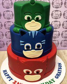 PJ Masks themed birthday party!! 3 tier cake plus smash cake #2ndbirthday #pjmasks #pjmasksparty #birthdaycake #cakedecorating #threetiercake #3tiercake #cakesofinstagram #cakesbychoice #baking #bakerslife #cakelife #instagood #sweets #homebaker Pj Masks Birthday Cake, 4th Birthday Cakes, Superhero Birthday Party, 6th Birthday Parties, Boy Birthday, Birthday Ideas, Torta Pj Mask, Pjmask Party, Party Ideas