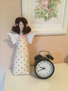 Dnešní Tilda pro radost, možná pro maminku k svátku :-) Fabric Dolls, Decoupage, Summer Dresses, Diy, Baby Dolls, Angels And Fairies, Products, Summer Sundresses, Bricolage