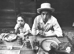 Bob Dylan and son Jesse at home in Woodstock, photo by Elliott Landy Bob Dylan, Jack Kerouac, Billy The Kid, Minnesota, Joan Baez, Frozen In Time, Look At You, Father And Son, I Love Music