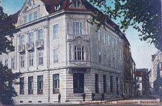 Ten budynek na ul. Bankowej łatwo poznać.