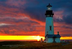 https://flic.kr/p/d5okYY | Yaquina Head Light Sunset | For a few seconds the sun appeared to paint the overhanging clouds at Yaquina Head Lighthouse in Newport Oregon.  In just a few seconds the sun was swallowed by the Pacific.  For more on this shot and  our too short visit to the Oregon coast check out this weeks blog: jeffnewcomerphotography.blogspot.com/2012/09/photography-...