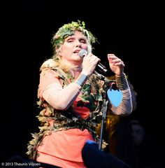 Blondie - Debbie Harry on Blondie Concert, Blondie Debbie Harry, Kew Gardens, Blondies, Stage, Fashion, Moda, Fashion Styles, Fashion Illustrations