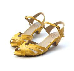 ea80b05cbb3e 32 Best yellow shoes images