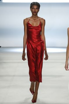 Cushnie et Ochs Fall 2016 Ready-to-Wear Fashion Show  http://www.theclosetfeminist.ca/   http://www.vogue.com/fashion-shows/fall-2016-ready-to-wear/cushnie-et-ochs/slideshow/collection#33